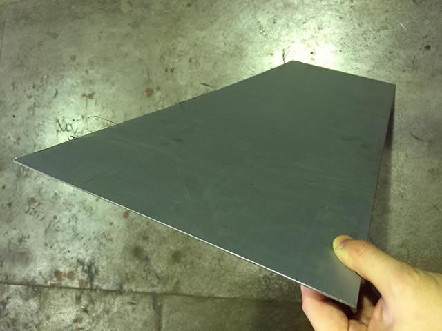ボンデ鋼板の厚み