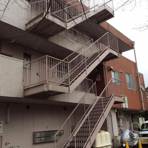 マンションの片持ち階段