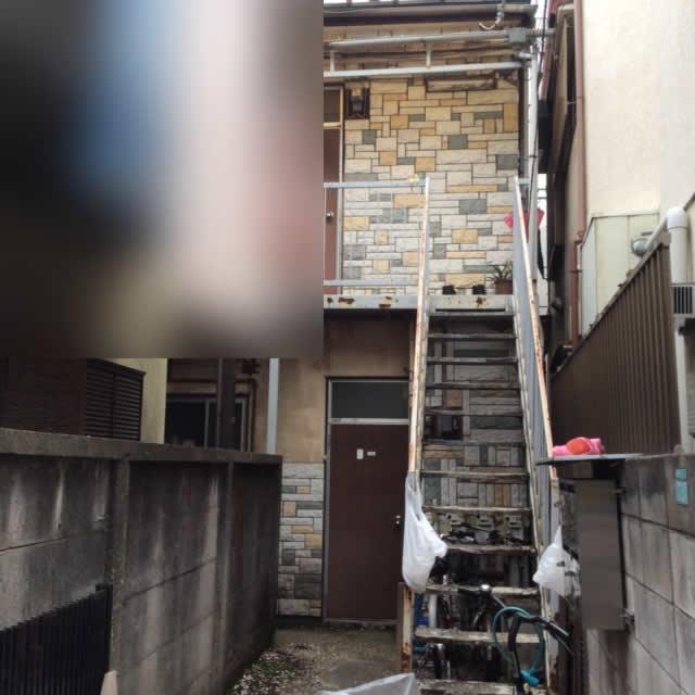 年季の入った外階段のサビ腐食