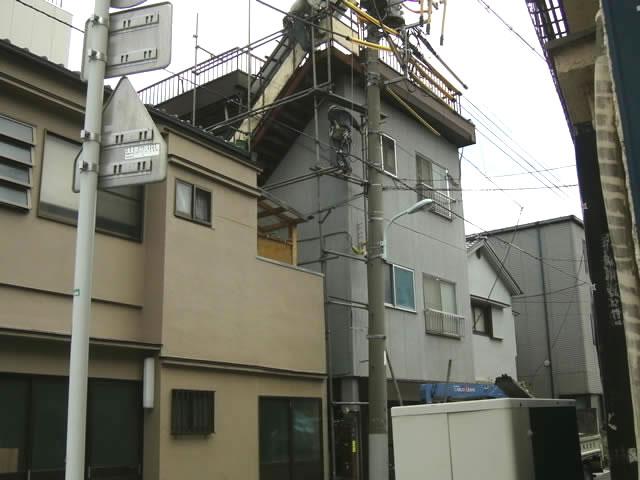 アパートで使われる鉄骨階階段