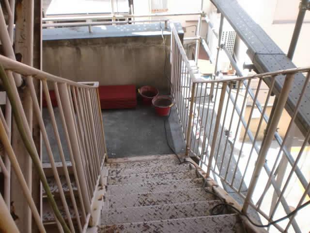 医療施設の非常階段