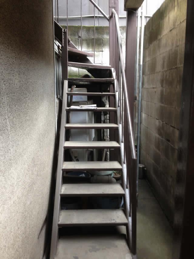 自宅(戸建て)の鉄骨階段