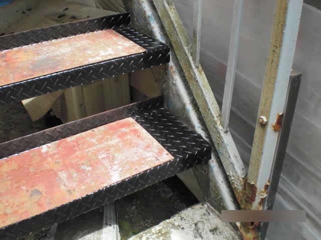 階段段板の補修方法