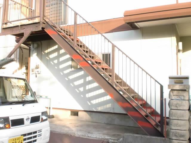 鉄骨補修工事を行った鉄骨階段