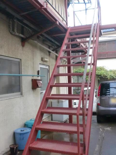 アパートの鉄骨階段交換工事
