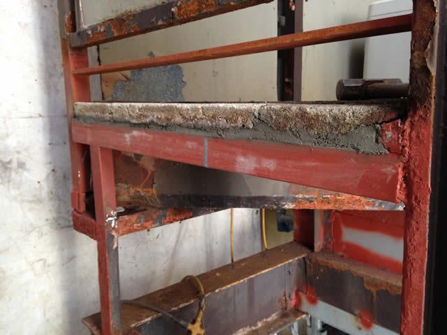 鉄骨階段の骨組み改修