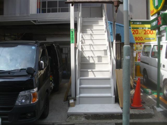 鉄骨階段の架け替え工事