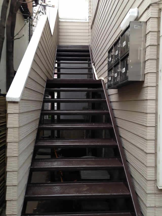 鉄階段のウレタン塗装
