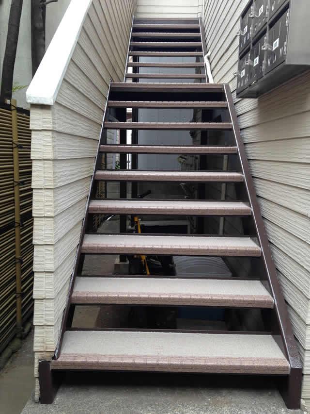 鉄階段と3Wタキステップ