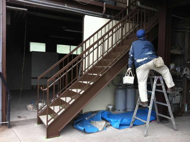 鉄骨階段のウレタン塗装