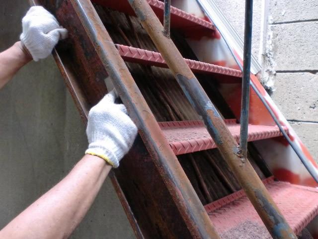 鉄骨階段のケレン
