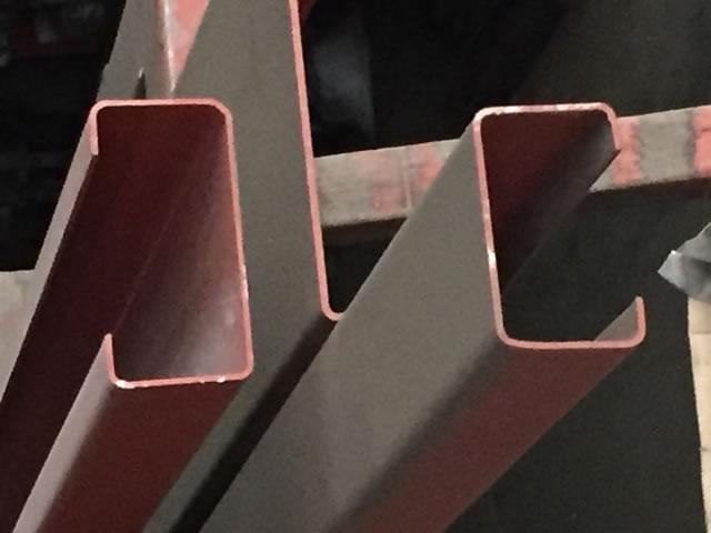 リップ型鋼材
