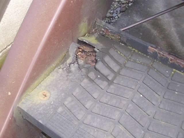 鉄ステップの錆び