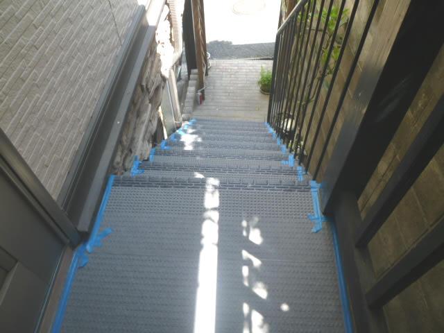 外階段へのタキステップ工事