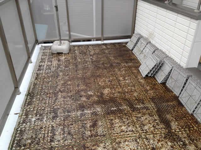 バルコニーの床鉄板のサビ