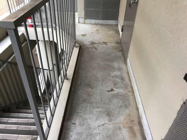 外部廊下の老朽化