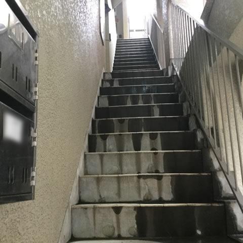 外部階段の老朽化