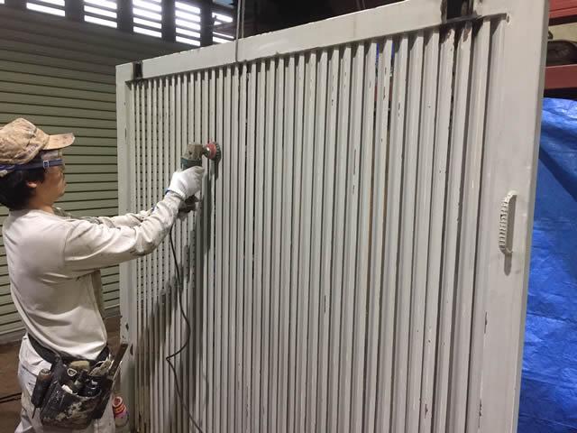 扉の鉄部塗装