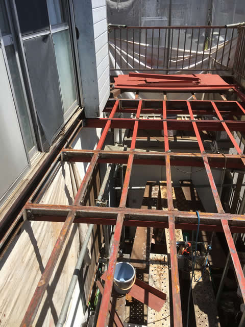 根太鉄骨の補修工事完了
