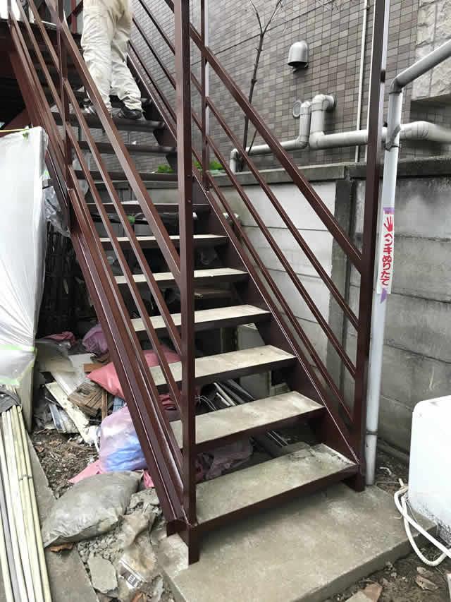 ウレタン塗装した鉄骨階段